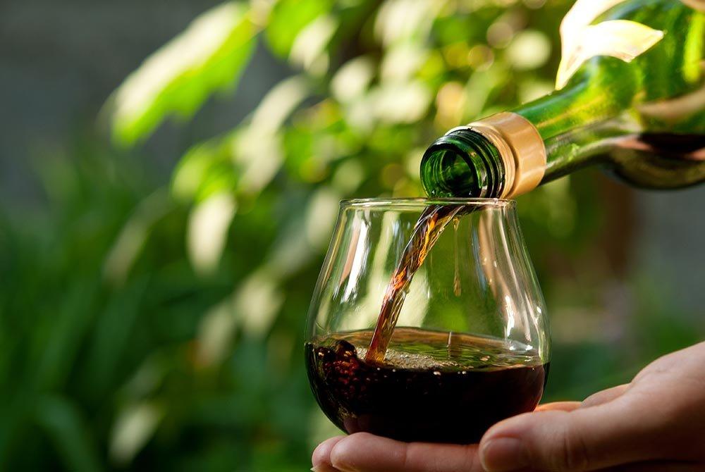 couple toasting at wine tasting
