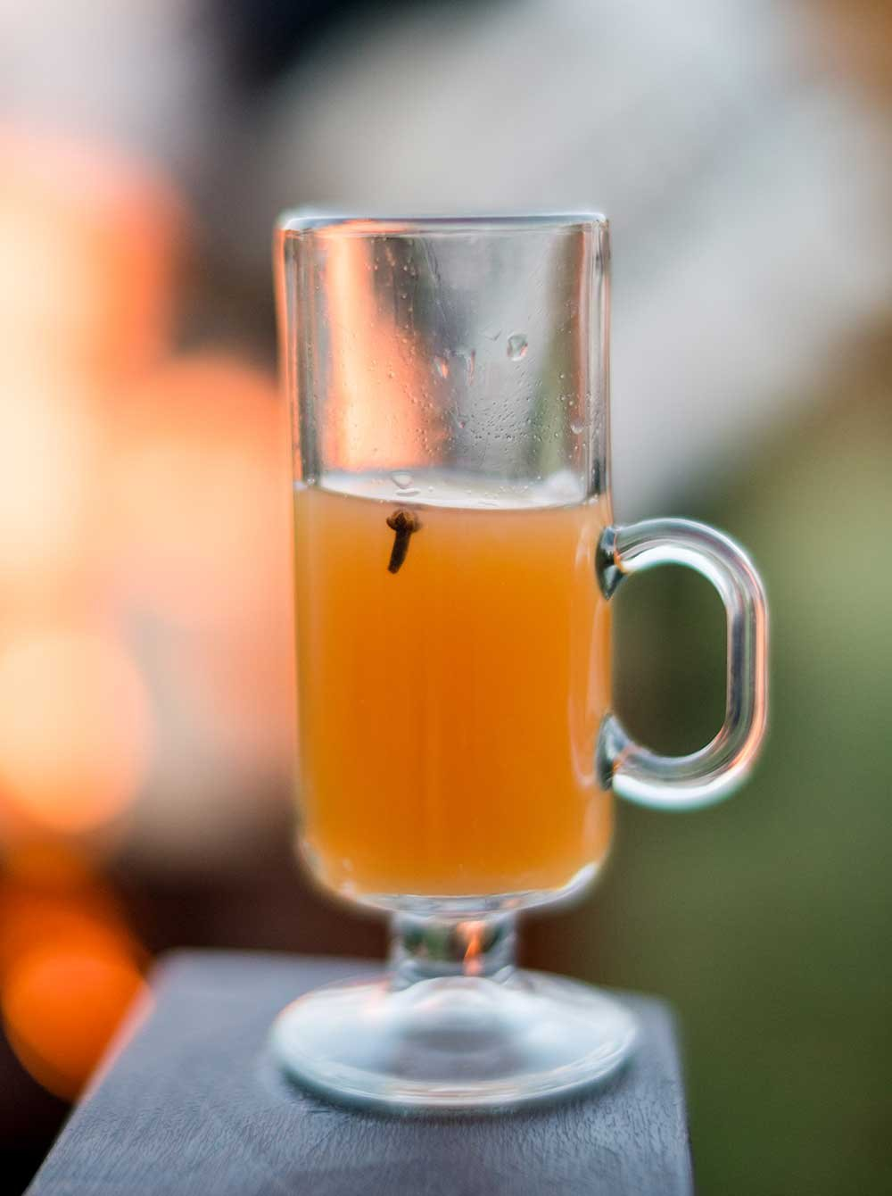 glass of chilled apple cider