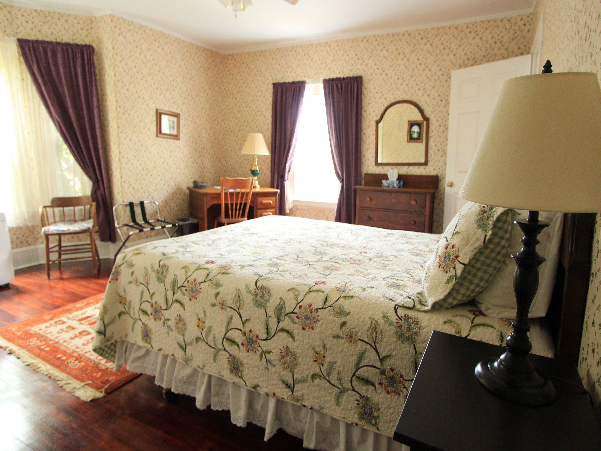 Suite 20 Queen bed