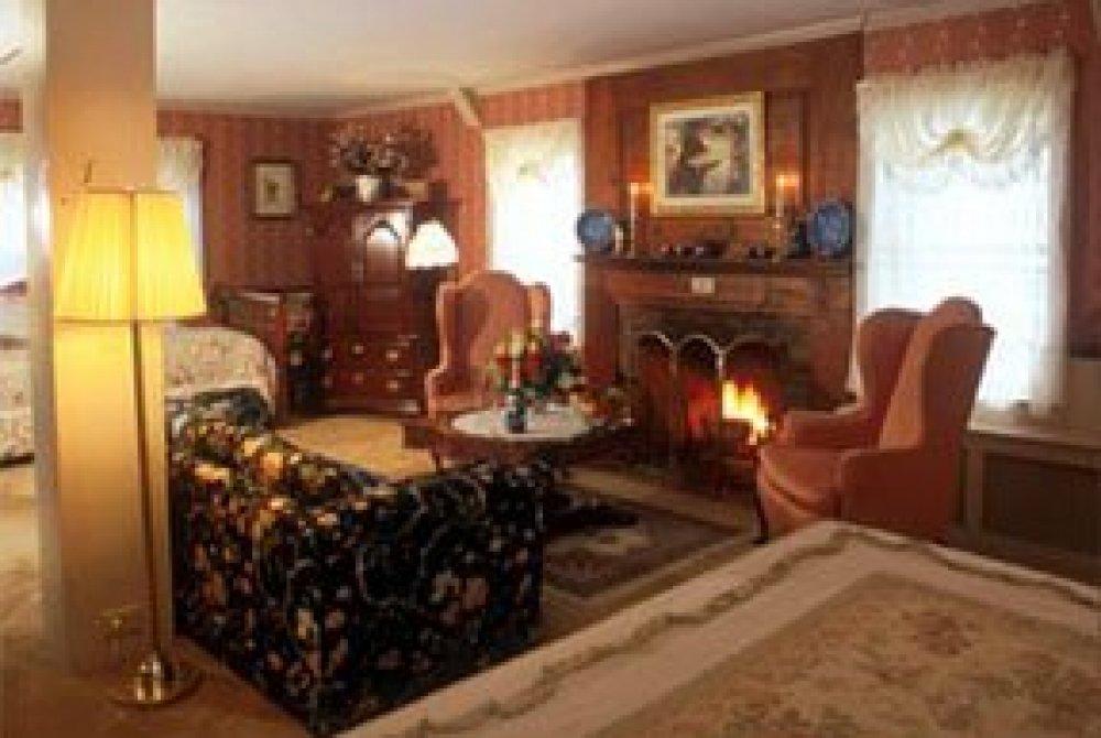 Sitting area in Lucinda's Suite