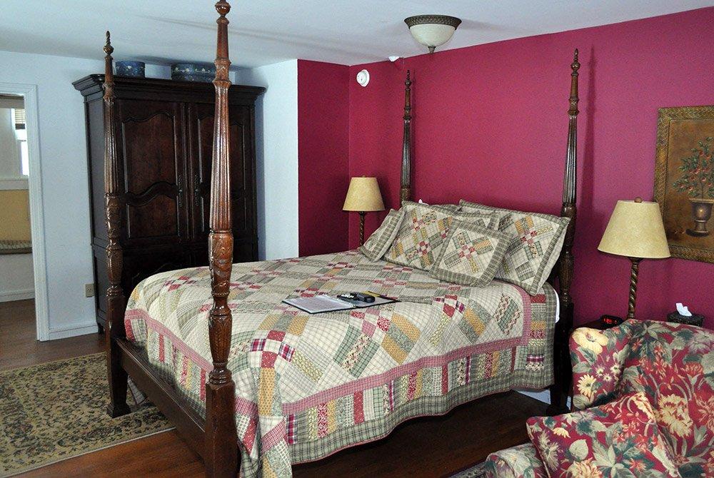 Bed in Rebecca's Retreat