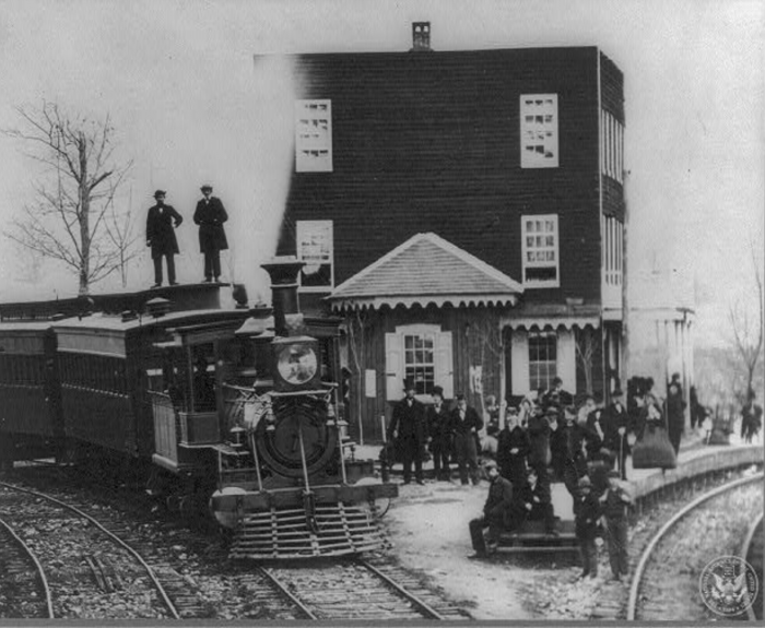 President Lincoln arriving in Gettysburg by train