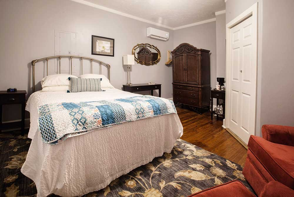 Kennedy Cottage suite