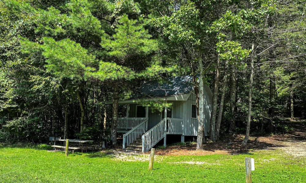 Exterior view of Lakeview Cabin