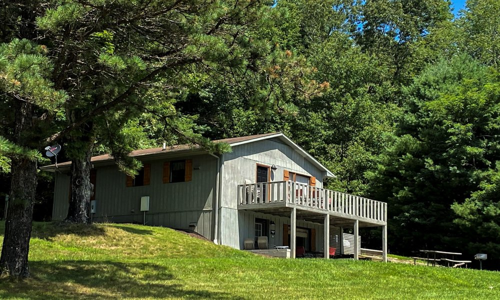 Exterior View of Mt. View A Cabin