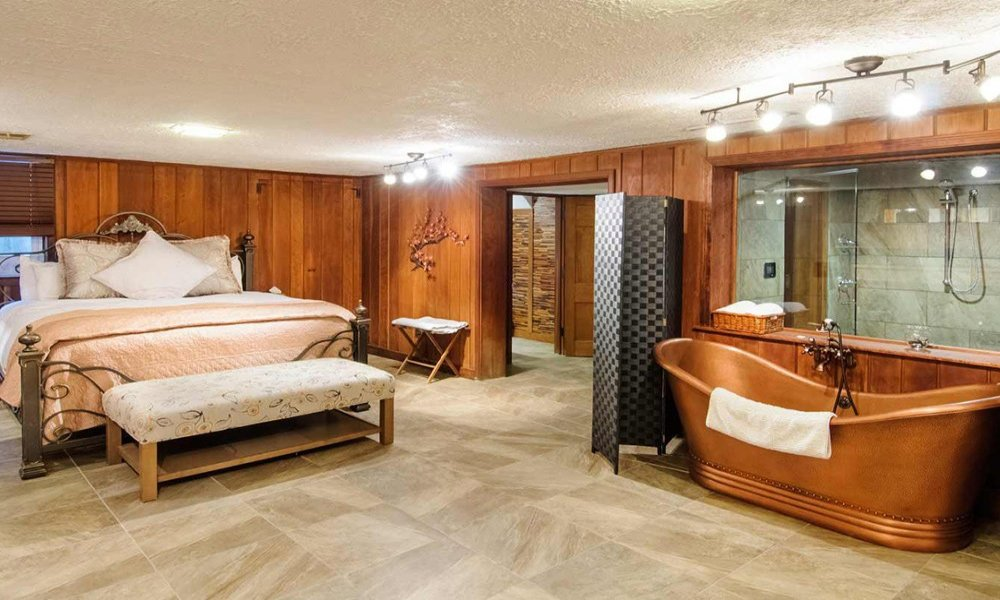 Cherry Luxury Suite