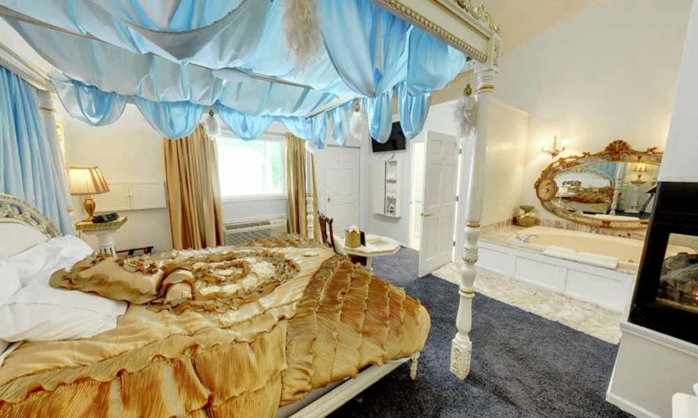 Bedroom with gold and blue theme