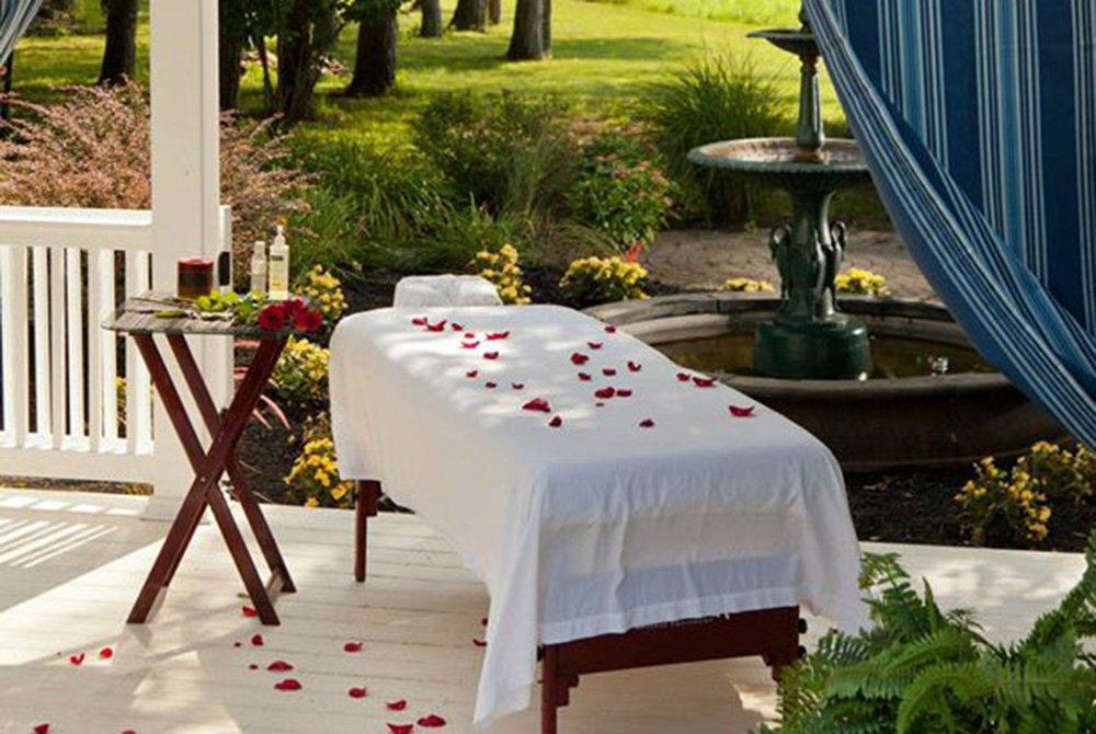 massage table outside