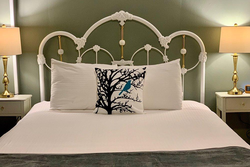 room 1 bed