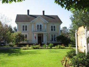 Hillsdale House Inn