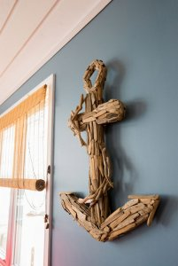 Woodchip anchor wall decoration