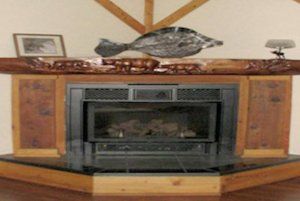 Gas fireplace with mantle