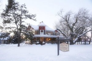 Front of the Inn on Hillwind in the snow