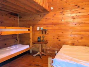 Bunkbed and single bed