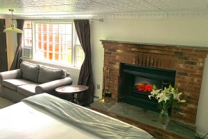 room 6b fireplace