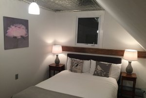 room 7 bed