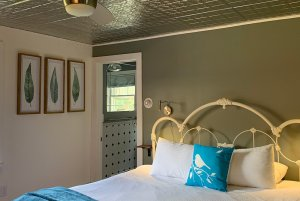 room 9 bed