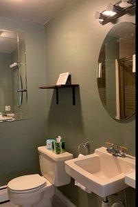 room 5a bathroom
