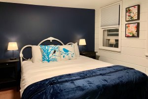 room 3 bed