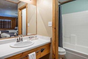 Canyons Lodge deluxe double queen bathroom and vanity