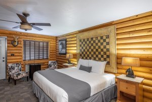 Canyons Lodge deluxe king bed