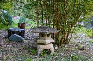 toro stone lantern
