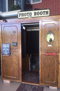 photo booth open door