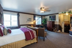 bed and sitting area | The Inn at 410, Downtown Flagstaff, AZ
