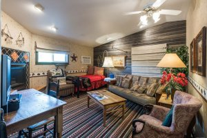 sitting room with sofas | The Inn at 410, within driving distance of Grand Canyon