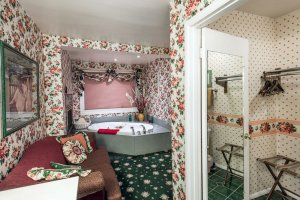 bathtub and floral wallpaper | The Inn at 410, near Sedona, AZ