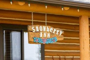 Snowberry Inn exterior sign
