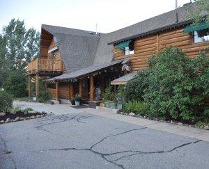 Snowberry Inn exterior