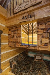 Hillbilly Hiltin Cabin Jail Bunk
