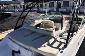 21 powerboat seats up to 10 persons with lounge platform