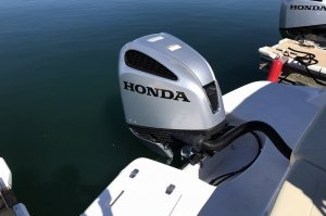 200 hp Honda Outboard on the Regal OBX Powerboat at Wahweap Marina