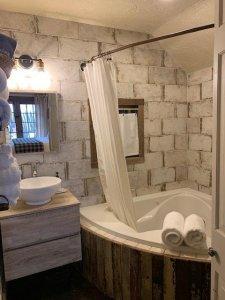 Centre Street Studio Bathroom