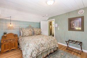 bedroom 4-3