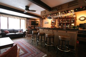 The Old Saco Inn Pub bar