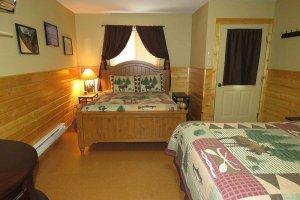 Queen bed and Window