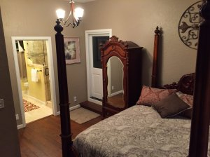 Empire Suite Bed and Wardrobe with mirror