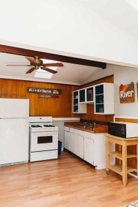 alternate view of the kitchen