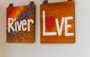 plaques reading river and love