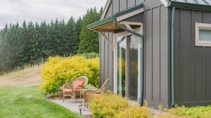 Roya Vineyard and Cottages exterior outdoor chairs