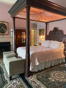 four poster bed second side