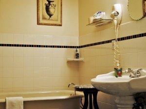 Bathroom Tub and Sink