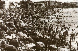 very crowded beach