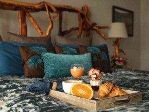 Orange slices and croissant