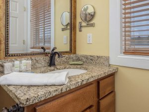 Sink countertop under mirror