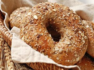 Grain bagels in cloth in basket