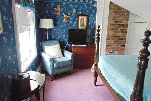 Faith Room at William Seward Inn in Westfield, NY